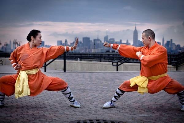 در حال مبارزه خیابانی کونگ فو