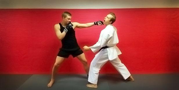 http://cdn.karatebyjesse.com/wp-content/uploads/mma_oliver_jesse_enkamp_1.jpg
