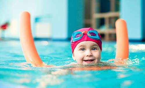SAHM-Featured_What-You-Need-To-Know-About-Swimming-Lessons-For-Kids