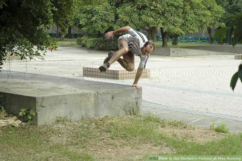 aid20063-v4-900px-Get-Started-in-Parkour-or-Free-Running-Step-4