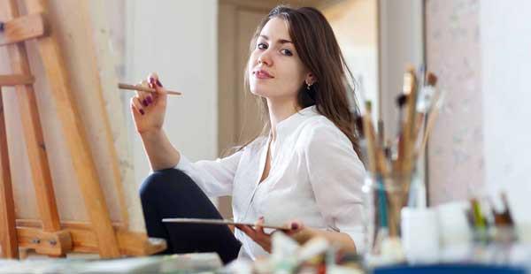 artist-girl-painting