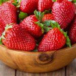 پرورش توت فرنگی در گلخانه 1