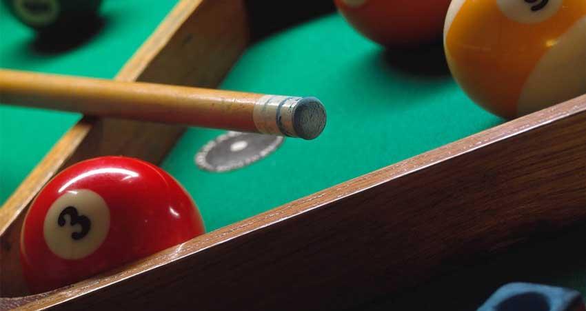 pool-table-balls-game