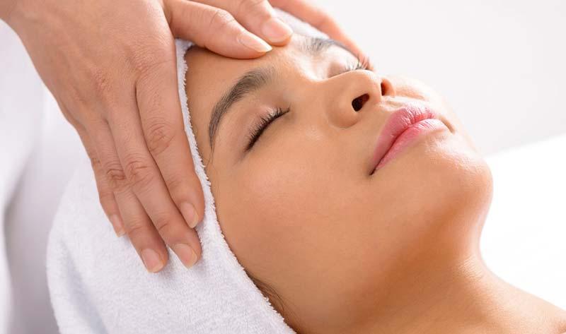 Face-Massage-Close-Up