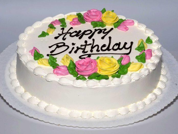 نحوه تزئین کیک تولد 21