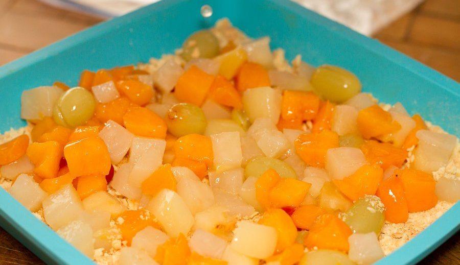 طرز تهیه کیک میوه ای 5