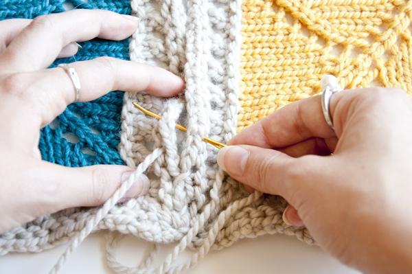 knitting_blanketsquare_seam.jpg