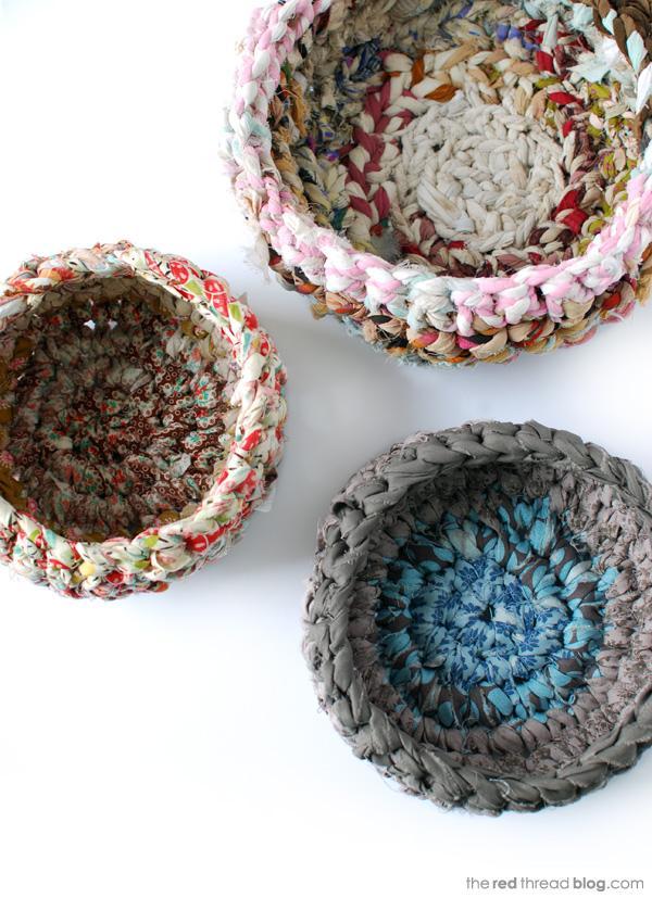 the-red-thread-fabric-crochet-baskets-tutorial.jpg