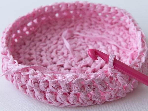 wink-crafttuts-crochet-basket-step10.jpg