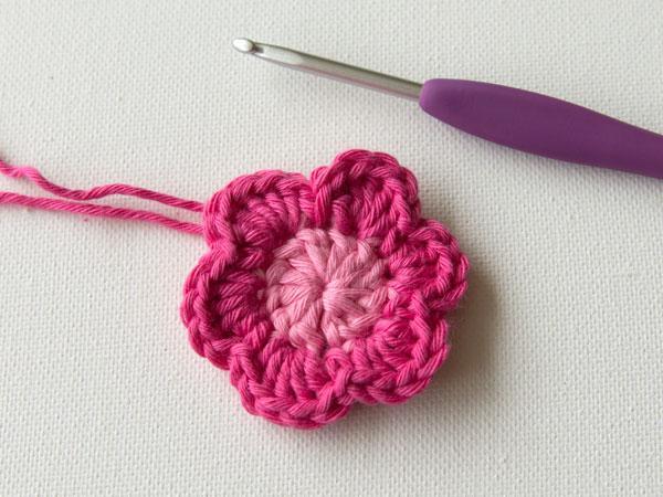 wink-crochet-flower-step8.jpg
