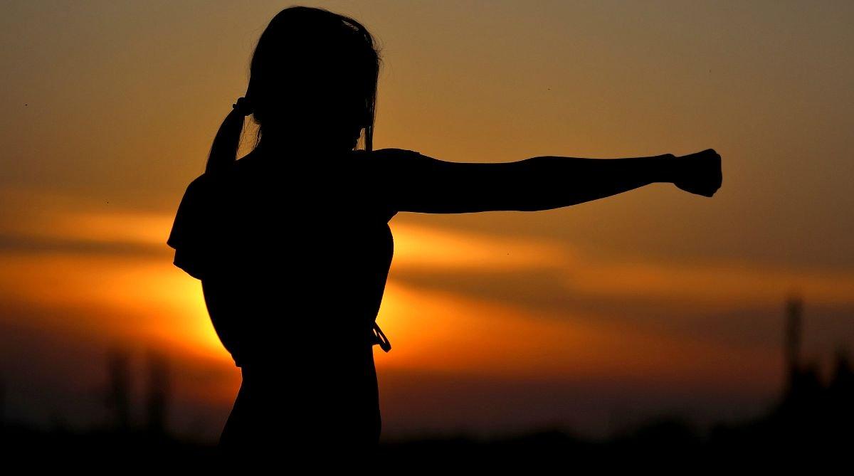 C:\Users\Danei\Desktop\saman joon\axx\karate-sunset-fight-sports-Self-Defense-Martial-Arts-pb.jpg