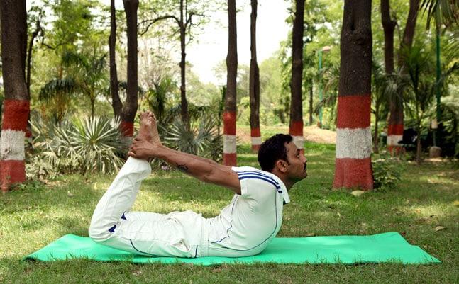 Dhanurasana (Bow pose)