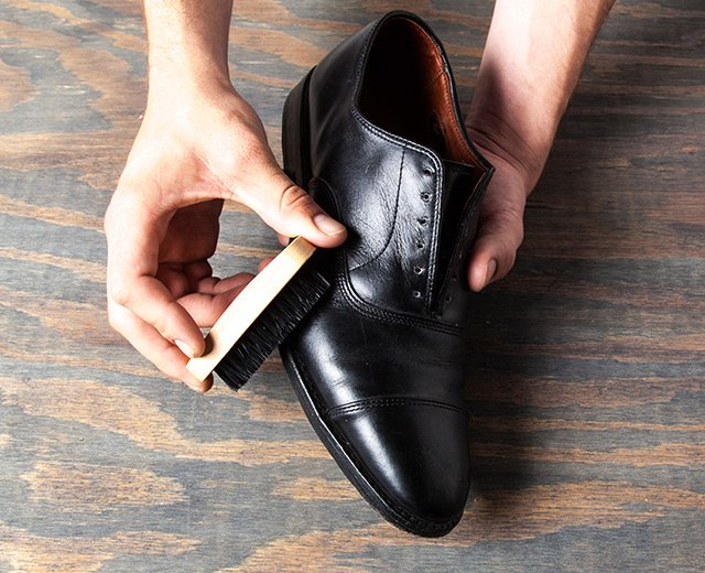 How Shine Your Shoes: Step 3. Clean off dust and dirt