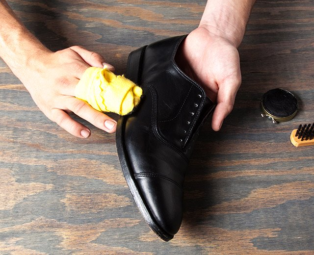 How Shine Your Shoes: Step 4. Add more polish as needed.