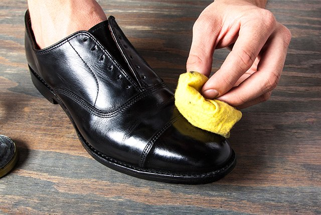 How Shine Your Shoes: Step 8. Part 3.