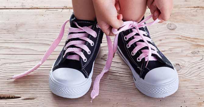 بستن کفش