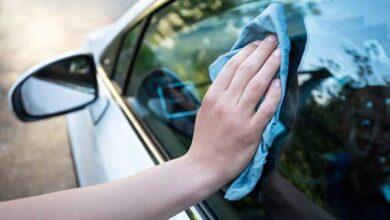 تمیز کردن شیشه ماشین