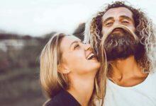 زوج آرام و خندان
