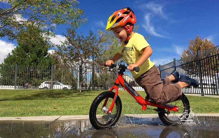 دوچرخه سواری کودک